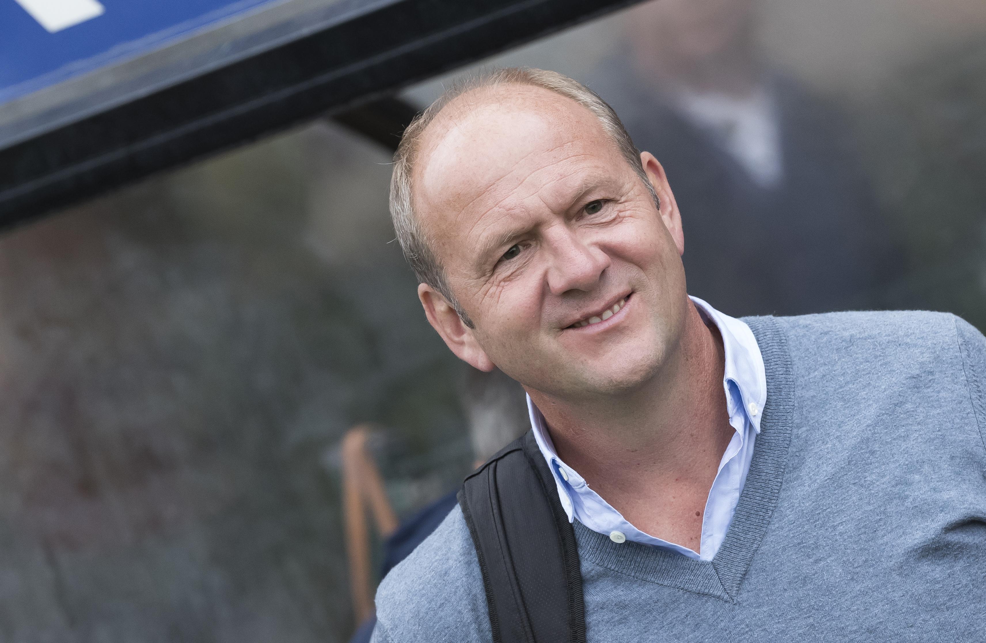 BLOEMENDAAL - Bloemendaal-Hurley (4-2) . coach Michel van den Heuvel (Bl⤙daal) . COPYRIGHT KOEN SUYK