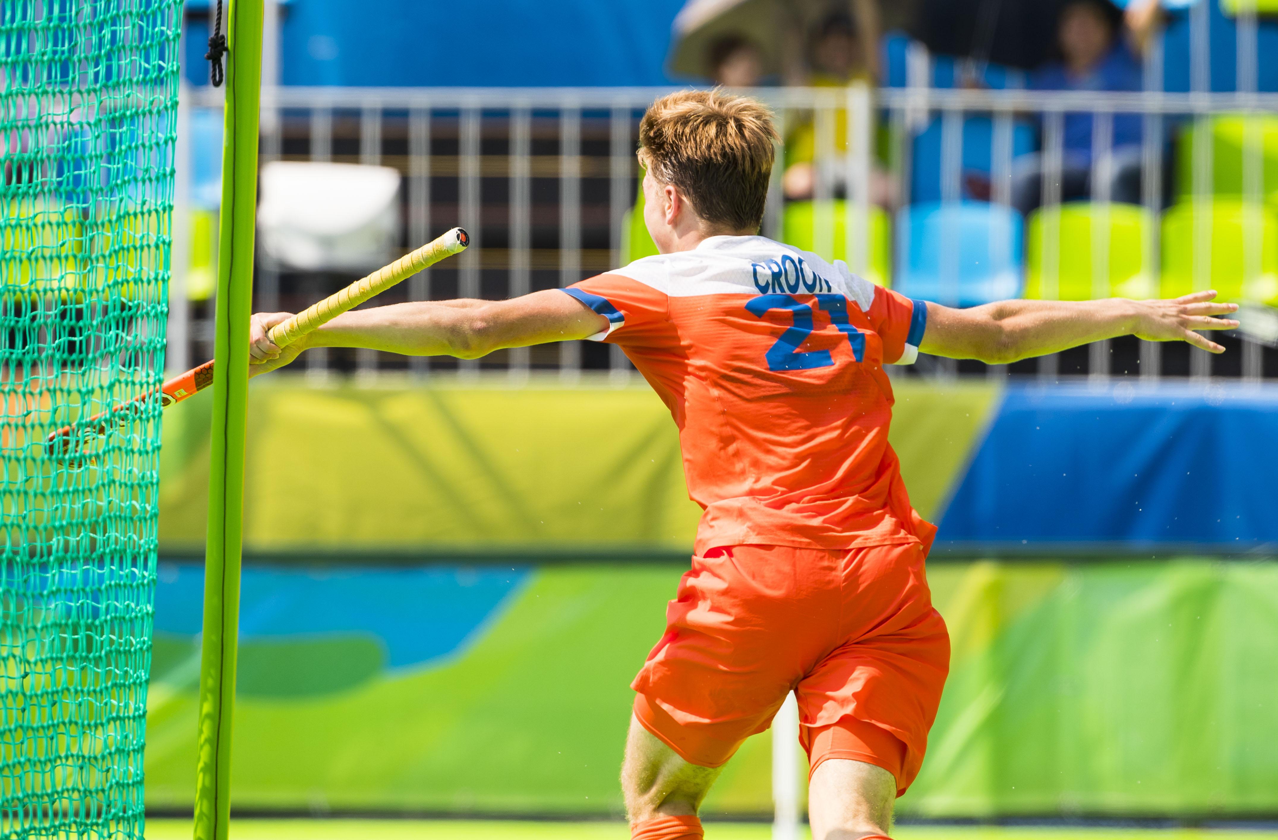 RIO DE JANEIRO - Jorrit Croon (Ned) heeft de stand op 1-0 gebracht tijdens de hockeywedstrijd heren om de bronzen medaille , Nederland-Duitsland, tijdens de Olympische Spelen. COPYRIGHT KOEN SUYK