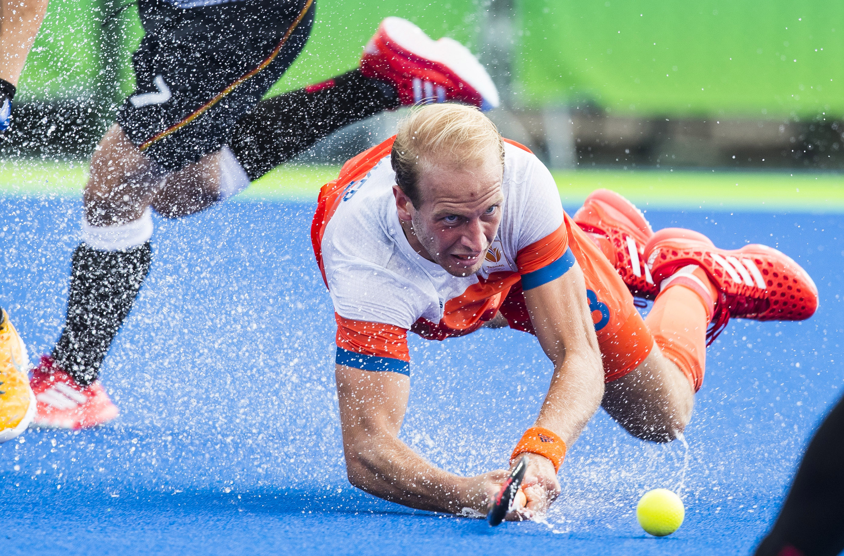 RIO DE JANEIRO - Billy Bakker (Ned) tijdens de poulewedstrijd hockey heren Duitsland-Nederland , tijdens de Olympische Spelen. COPYRIGHT KOEN SUYK