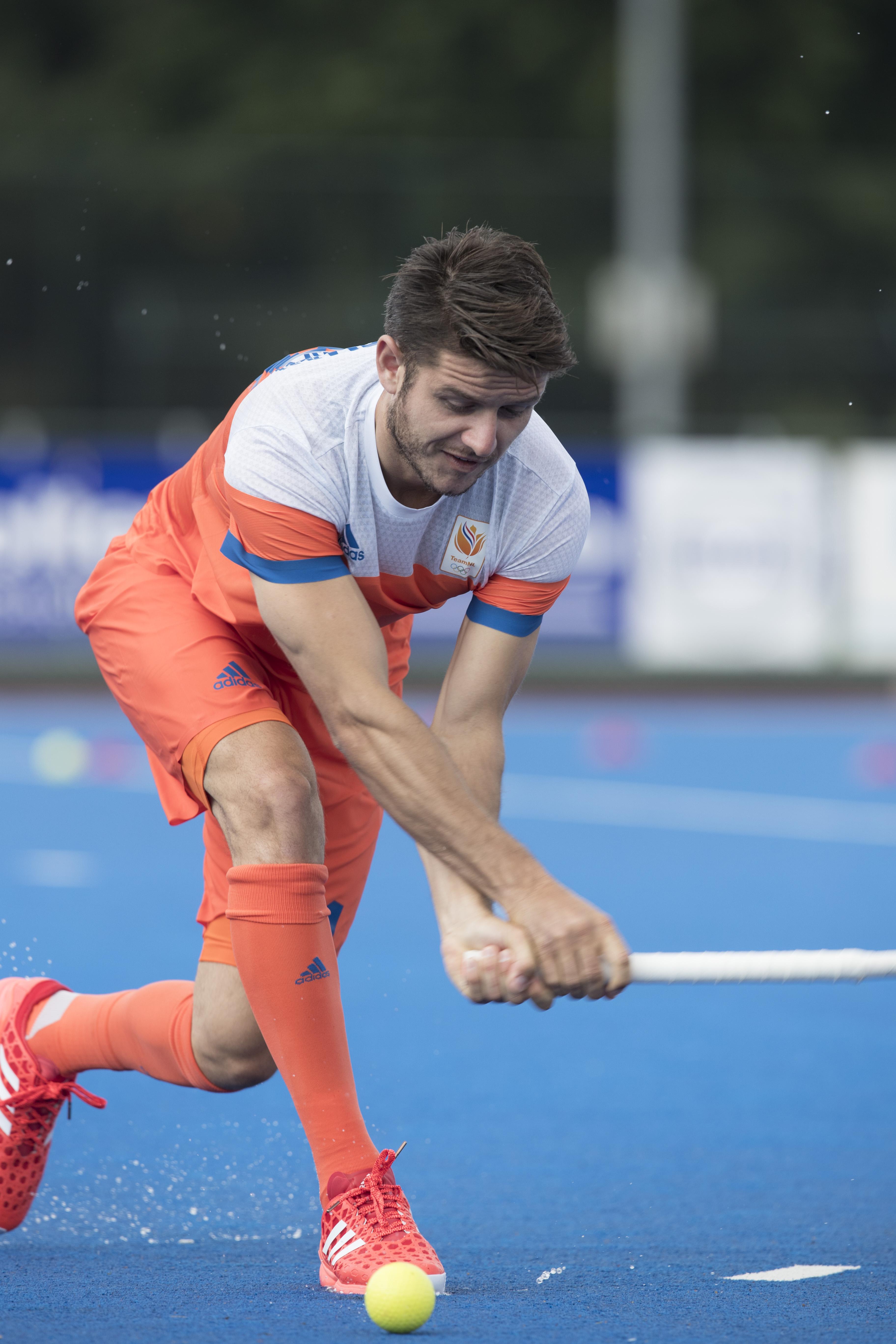 ARNHEM - Primeur. ROBBERT KEMPERMAN. Het Nederlands Mannen hockeyteam traint in Arnhem in het Olympische Adidas tenue, dat tijdens de Olympische Spelen zal worden gedragen. COPYRIGHT KOEN SUYK
