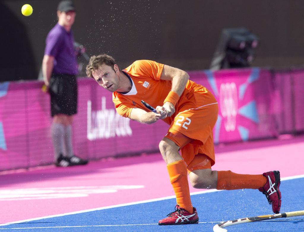 LONDEN - Rogier Hofman, zondag tijdens de Olympische hockeywedstrijd tussen de mannen van Nederland en Duitsland (3-1). ANP KOEN SUYK