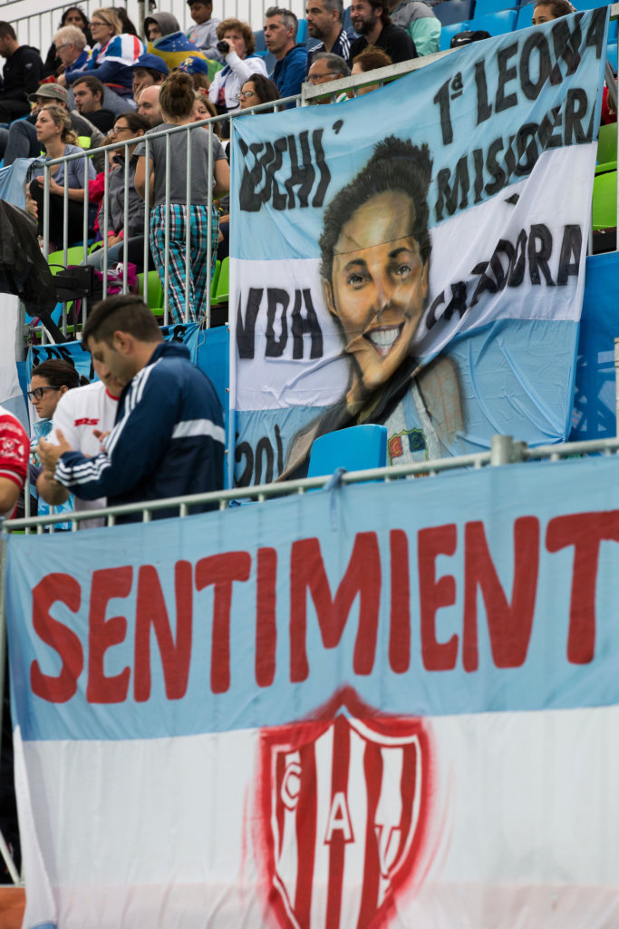 RIO DE JANEIRO (Brazilië) - supporters of Argentina during the poolmatch between the women of Great Britain and Argentina . COPYRIGHT KOEN SUYK