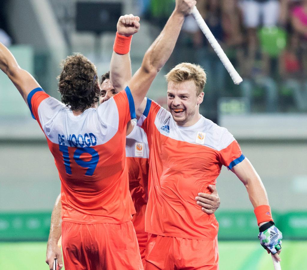 RIO DE JANEIRO - Mink van der Weerden (Ned) scoort tijdens de kwartfinale hockey heren Nederland-Australie , tijdens de Olympische Spelen. COPYRIGHT KOEN SUYK