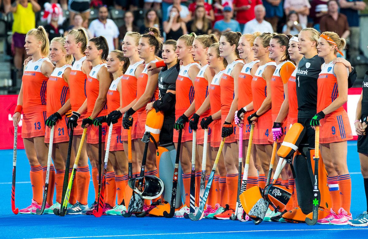 LONDEN - line up Oranje voor de kwartfinale tussen Nederland en Engeland in het Lee Valley Hockeystadium bij het wereldkampioenschap hockey voor vrouwen. ANP KOEN SUYK