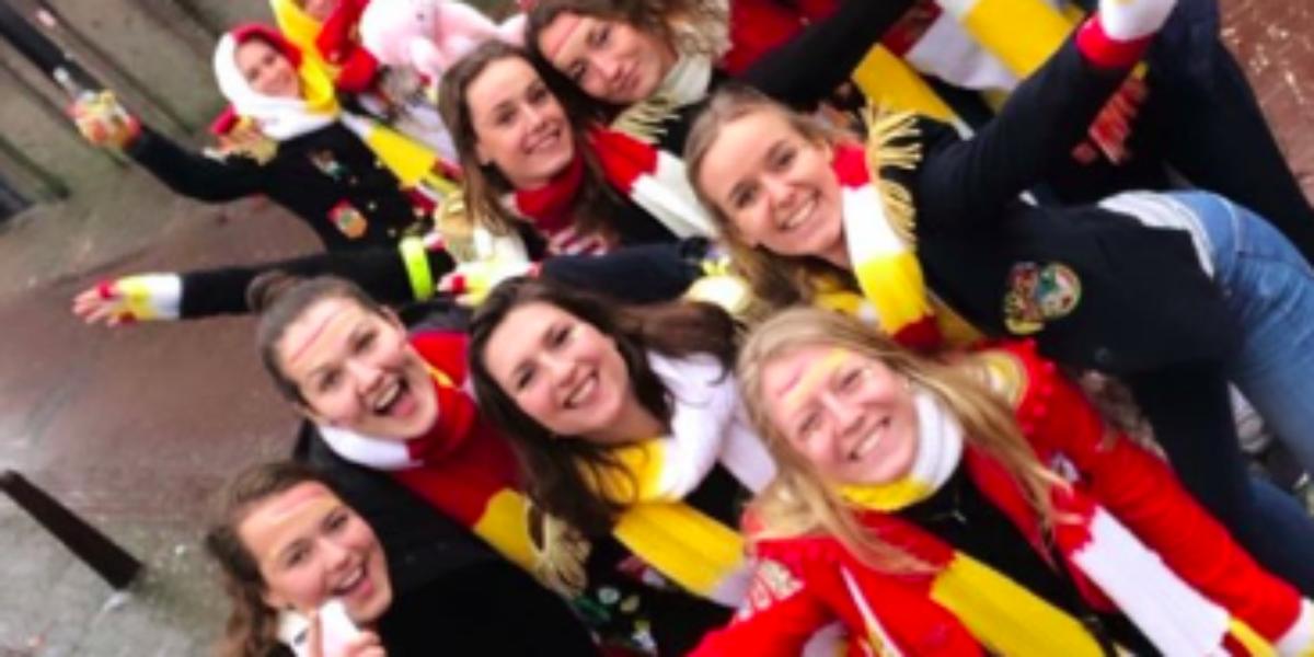 Kleurplaten Carnaval Oeteldonk.Social Shuffles Zo Vieren De Hockeyers Carnaval Hockey Nl