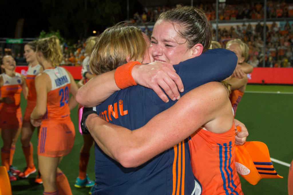 World record: eighth title in a row for the Orange under Annan