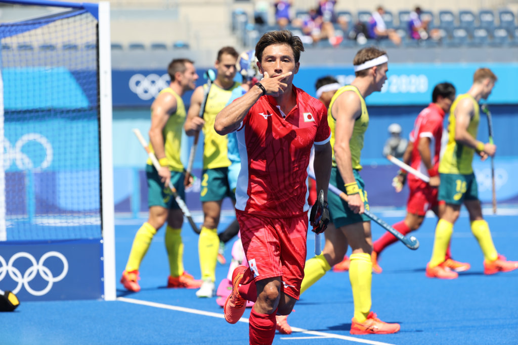 Tokyo, host country Japan opened the Olympic tournament with a defeat against Australia (3-5).Reigning Olympic champion Argentina had to settle for a 1-1 draw against Spain.Germany recorded the biggest win on the first day of play by beating Canada 7-1.Below is the round-up of the first day of the men's tournament.